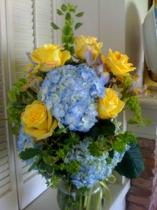 Yellow rose blue hibiscus